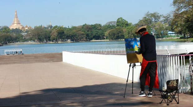 Outdoor Drawing in Yangon